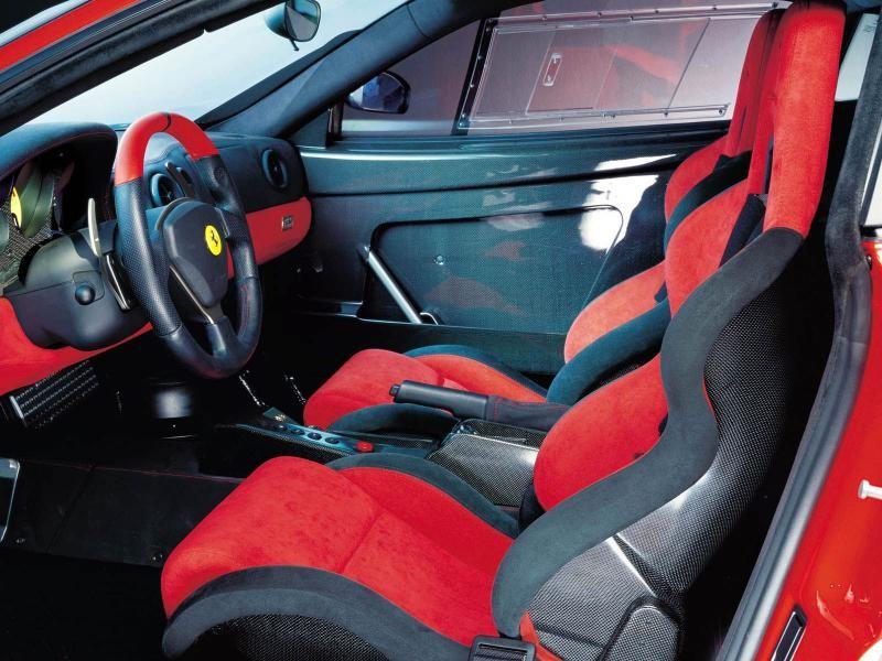 Красно-черный салон, руль Ferrari 360 Modena