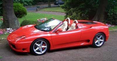 Красный спортивный Ferrari 360 Modena Spider