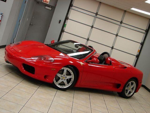 Красный Ferrari 360 Modena Spider