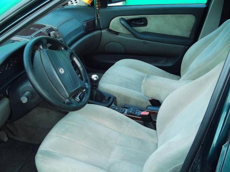 Бежевый салон, руль, кпп Lancia Kappa