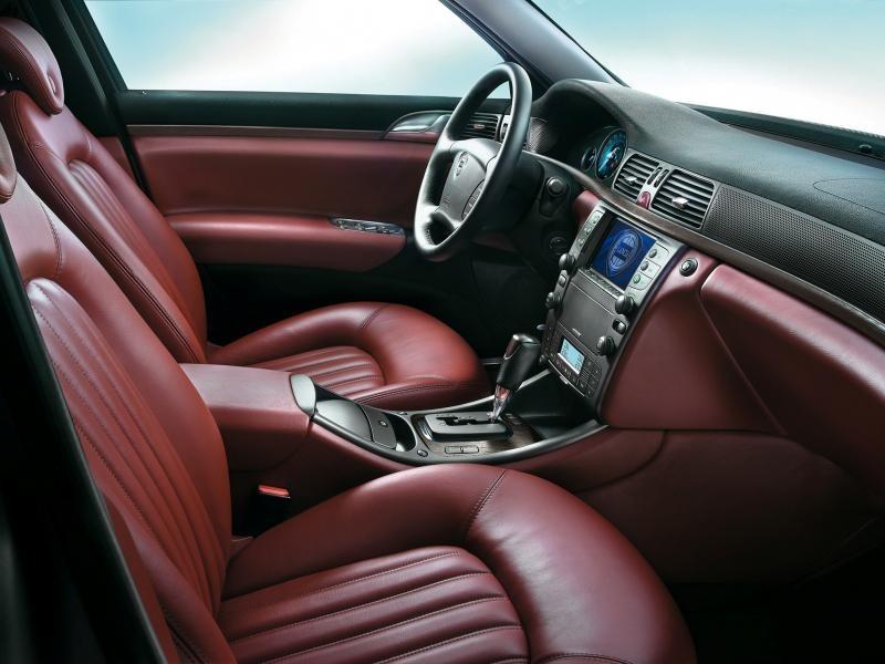 Кожаный салон, руль, кпп, консоль Lancia Thesis