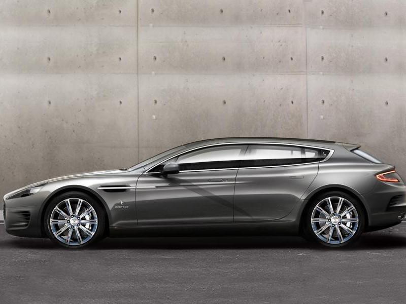 Серебристый концепт Aston Martin Rapide Jet 2+2, вид сбоку
