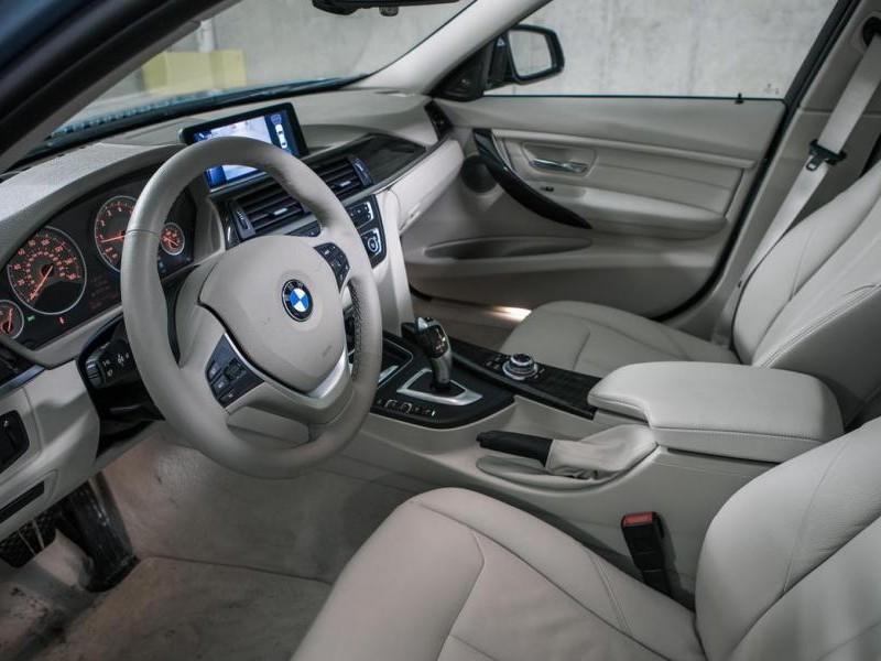Серый салон, кпп, руль, консоль BMW 3-Series ActiveHybrid 2013