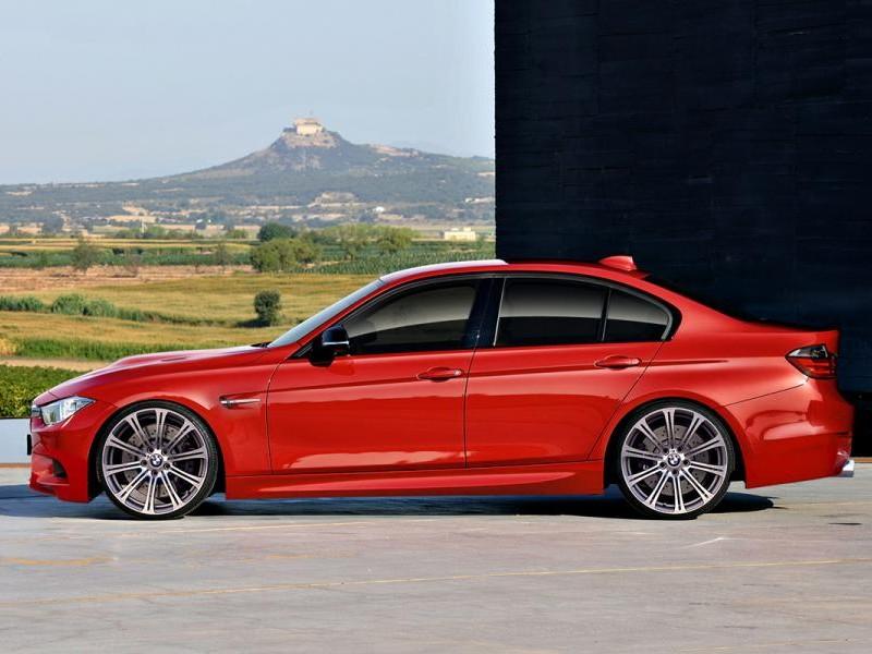 Красный седан BMW M3 (F30) 2013, вид сбоку