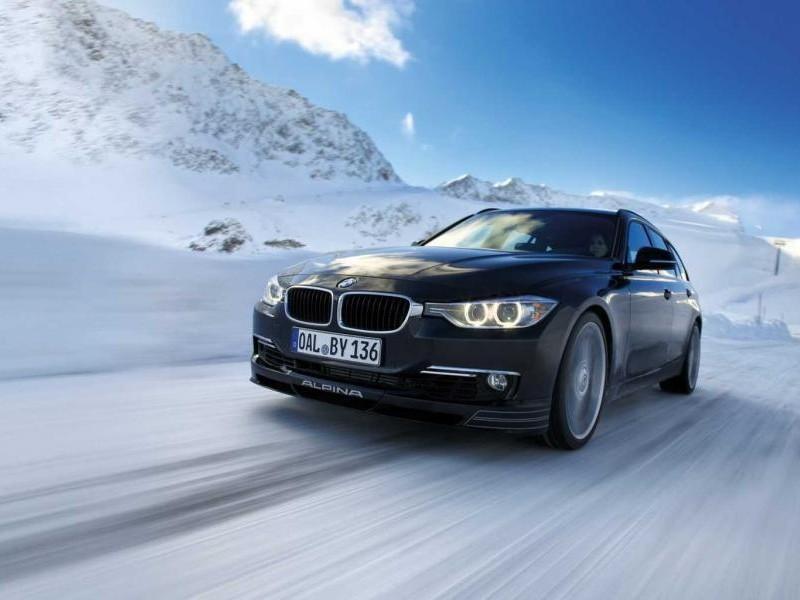 Черный седан BMW M3 (F30) 2013
