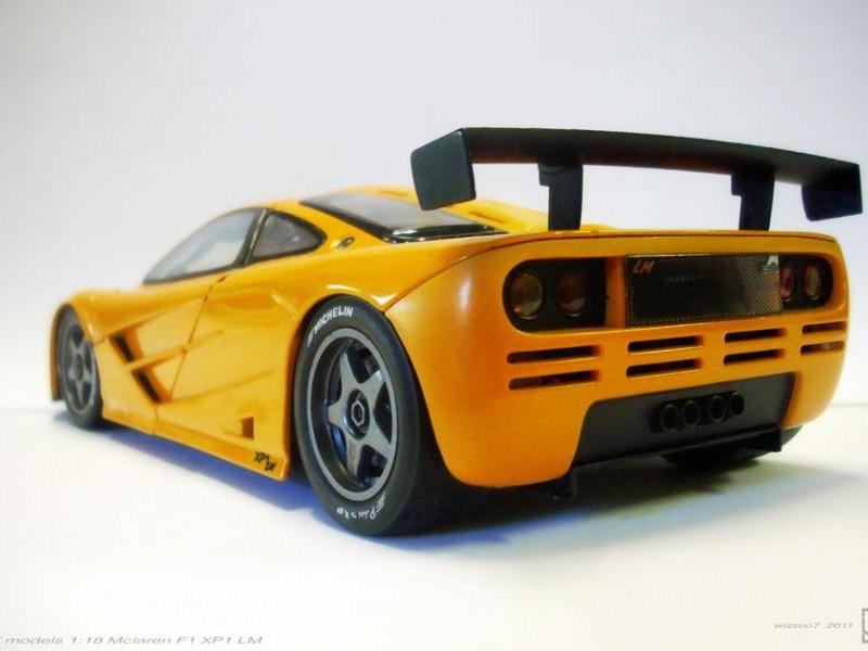 Желтый быстрый McLaren F1 LM XP1