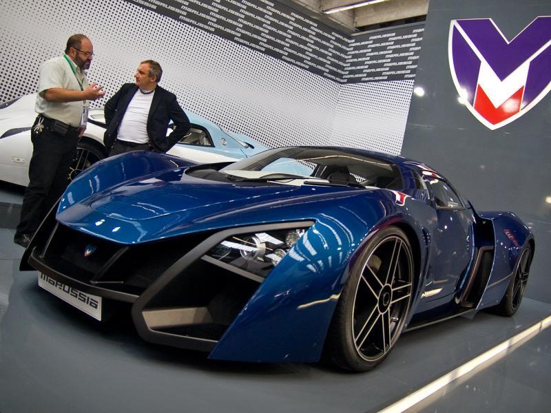 Синий купе Marussia B2