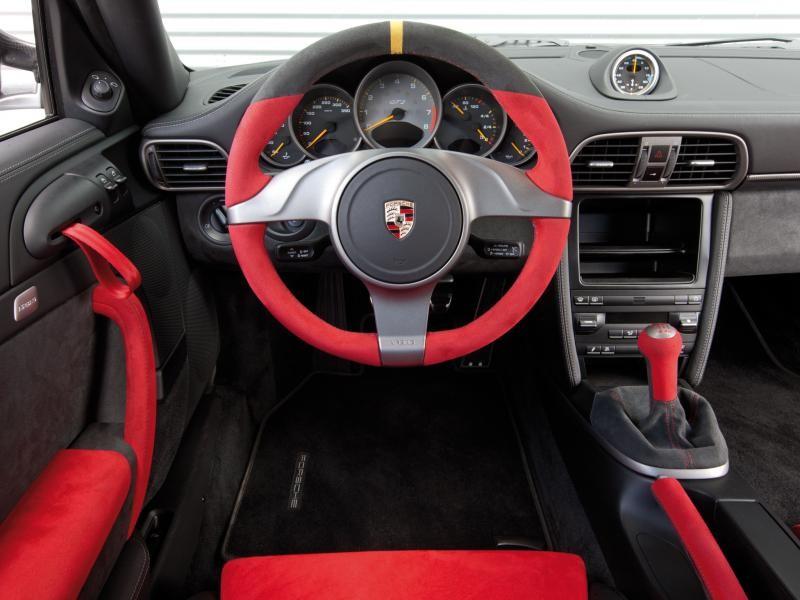Руль, кпп, консоль Porsche 911 GT2 RS