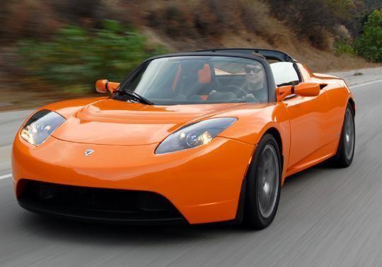 Tesla Roadster Sport на трассе