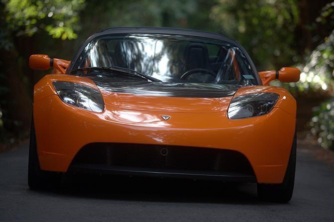Tesla Roadster Sport, вид спереди