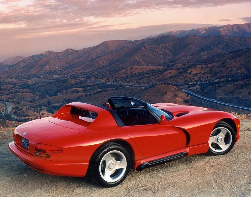 Красный быстрый Dodge Viper RT10