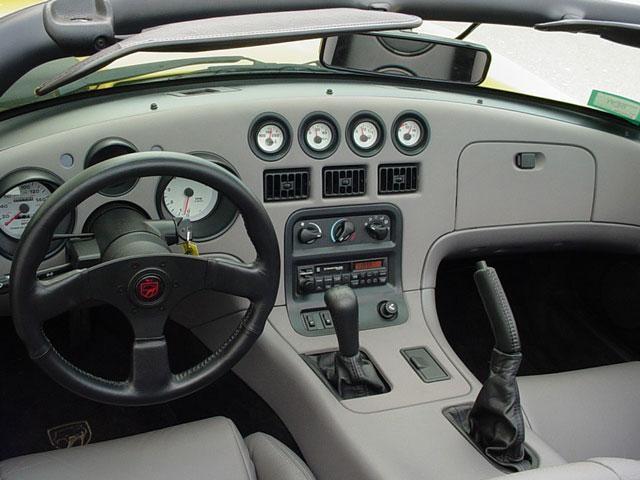 Серый салон, руль, кпп Dodge Viper RT10