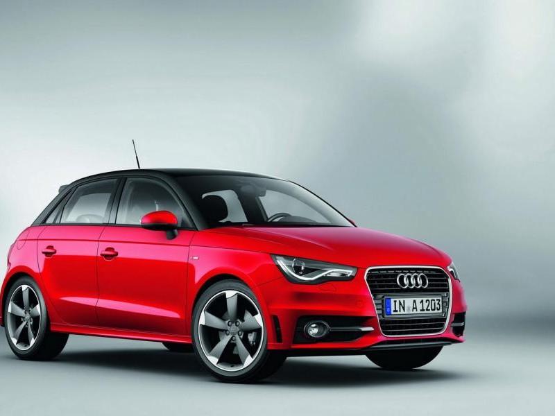 Красный Audi A1 Sportback