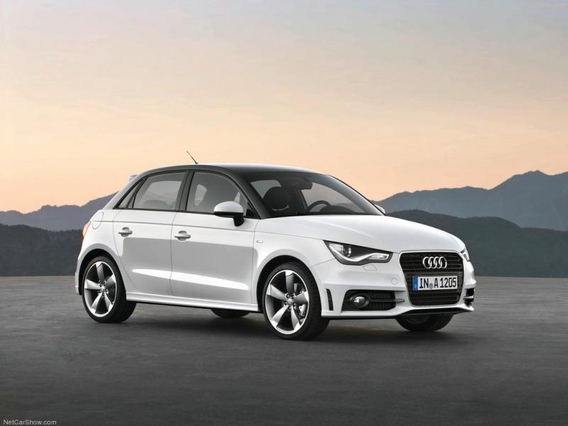 Белый компактный Audi A1 Sportback