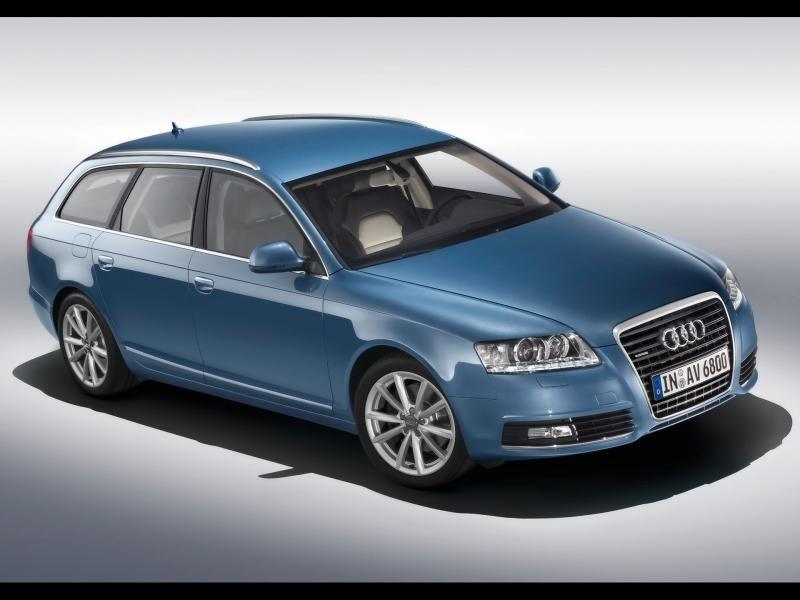 Синий Audi A6 Avant