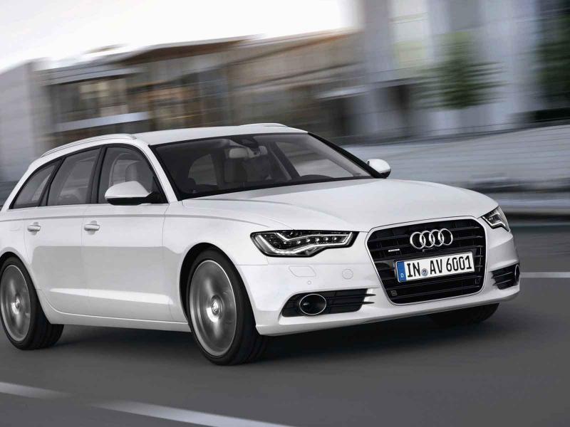 Белый Audi A6 Avant