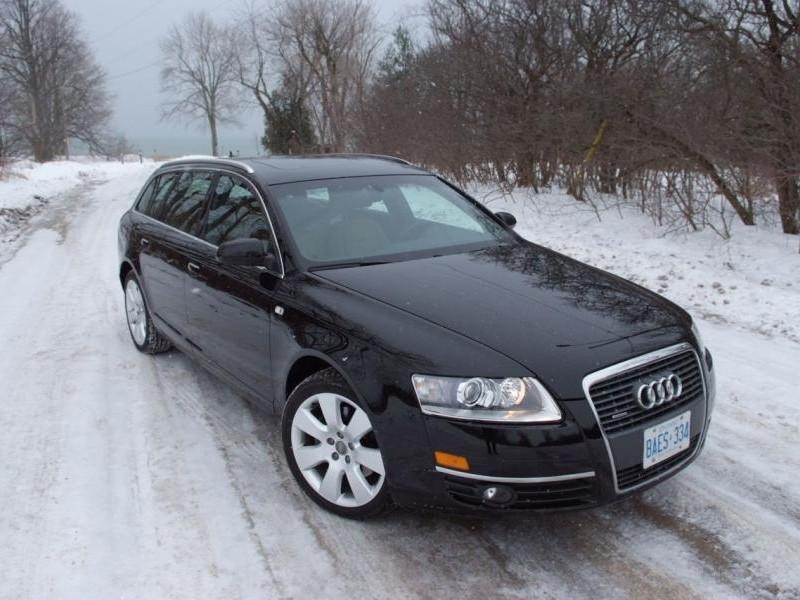 Черный Audi A6 Avant