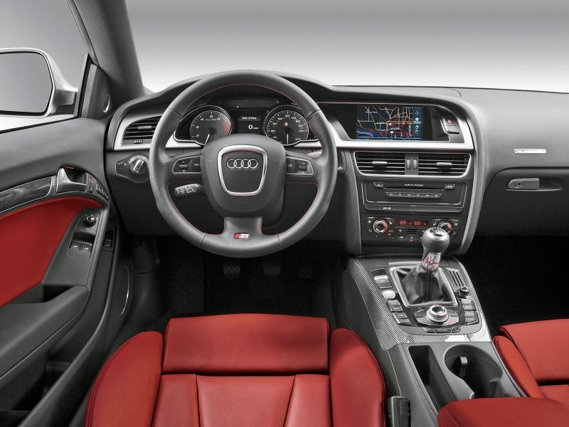 Красный салон, руль, кпп, консоль Audi S5 Coupe