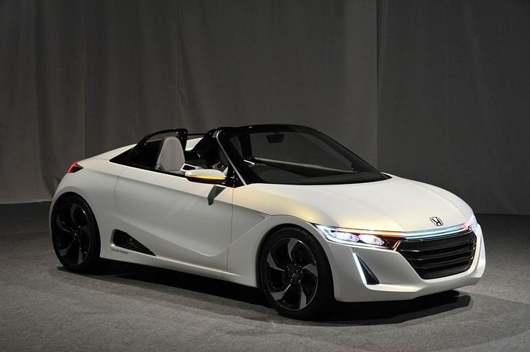 Белый концепт Honda S660