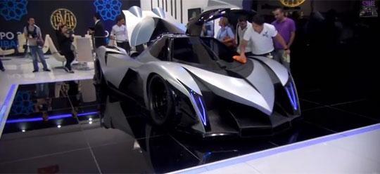 Роскошный быстрый суперкар Devel Sixteen