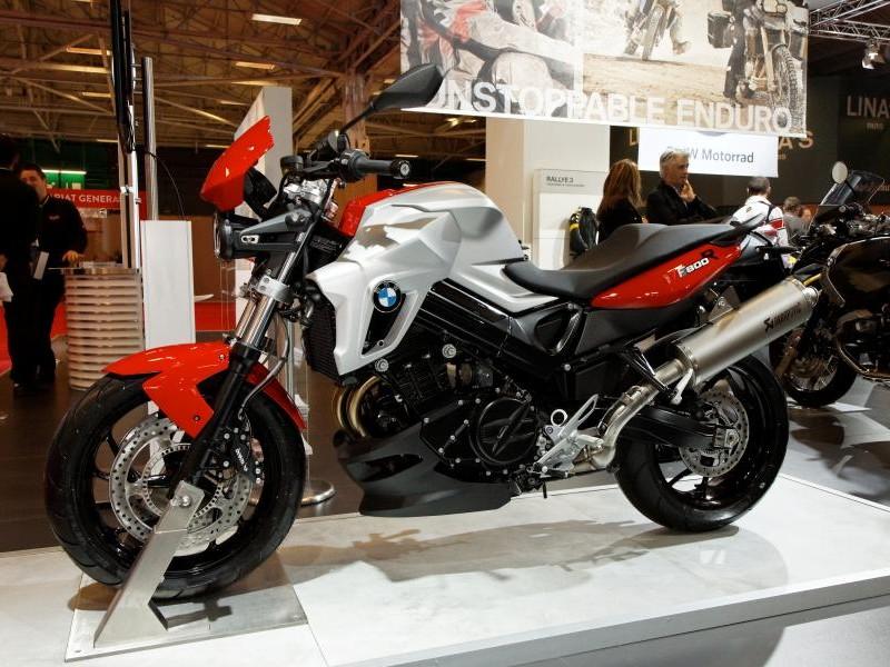 Стильный быстрый мотоцикл BMW F800 R