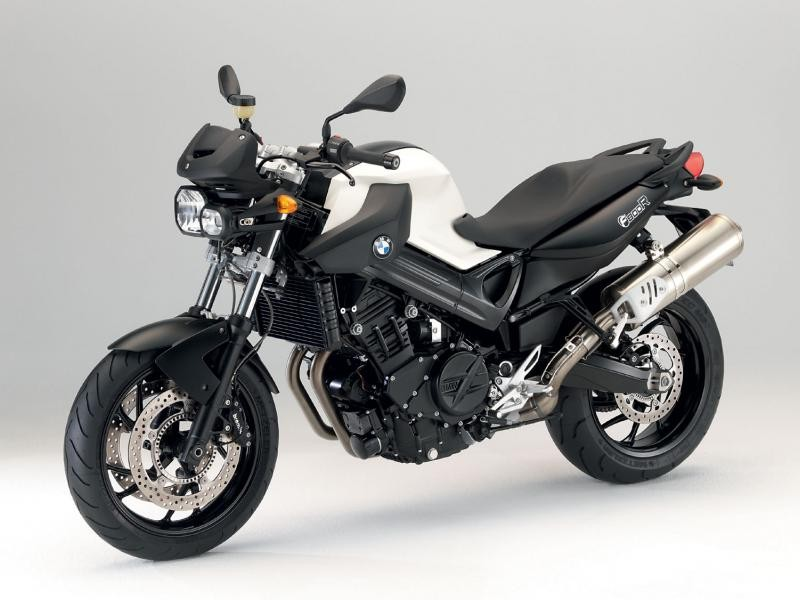 Красивый мотоцикл BMW F800 R
