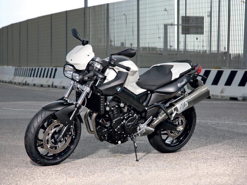 Стильный мотоцикл BMW F800 R