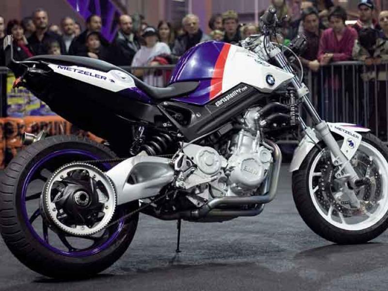 Роскошный мотоцикл BMW F800 R