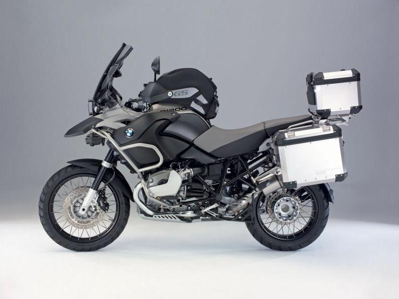 Мотоцикл BMW R1200 GS Adventure, вид сбоку