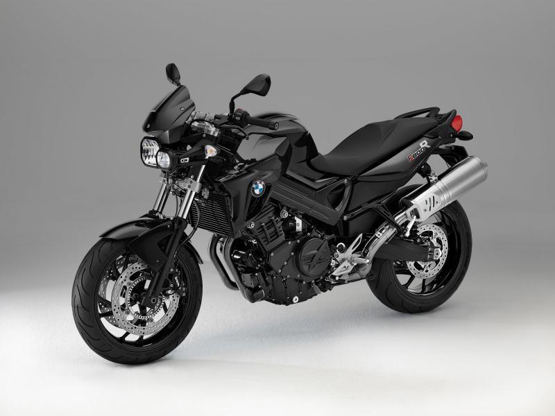 Черный быстрый BMW F800 R