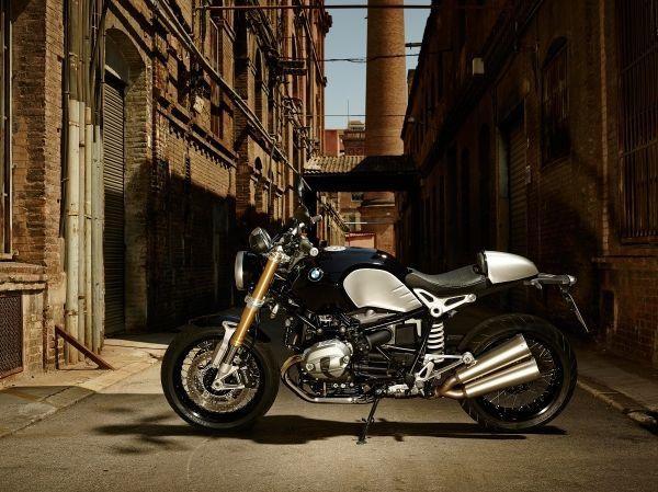 Мотоцикл BMW R nineT, вид сбоку