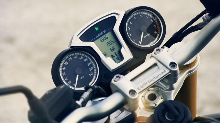 Руль, приборная панель BMW R nineT