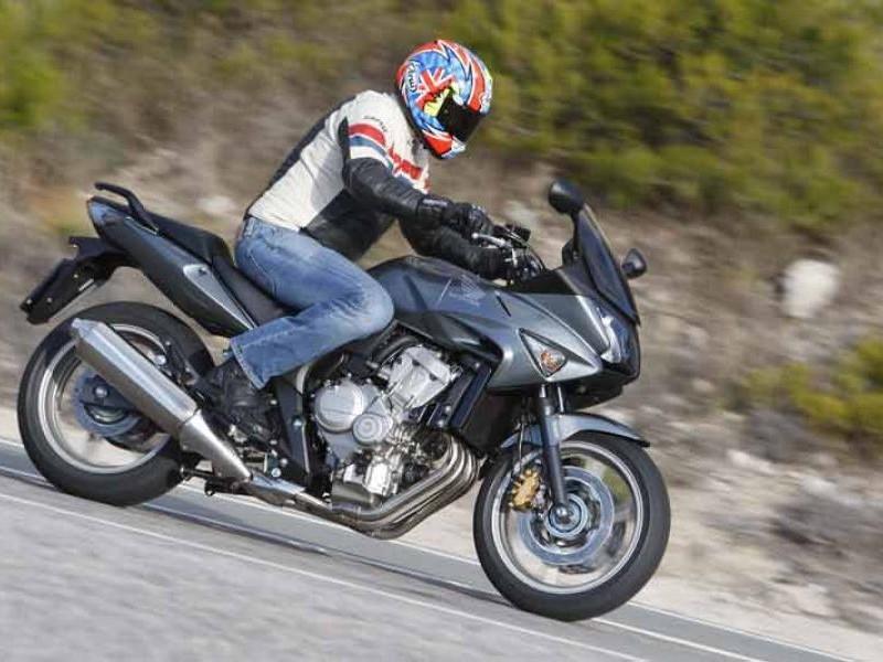 Черный Honda CBF600SA