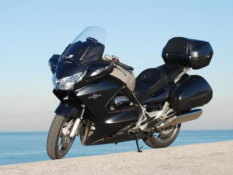 Мотоцикл Honda ST1300A Pan-European
