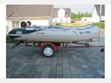 Лодка Honda T40 AE2, вид сбоку