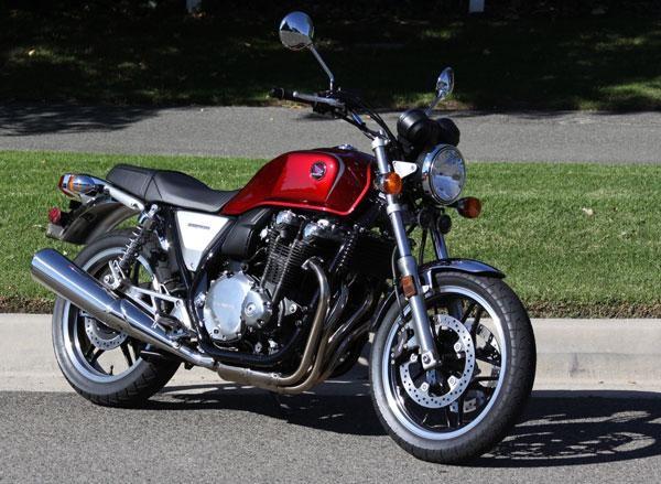 Honda CB1100, вид спереди