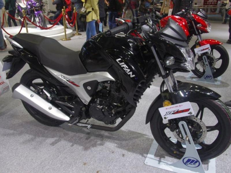 Черный мотоцикл Lifan LF150-10b