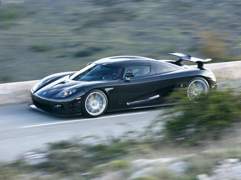 Суперкар Koenigsegg CCXR на трассе