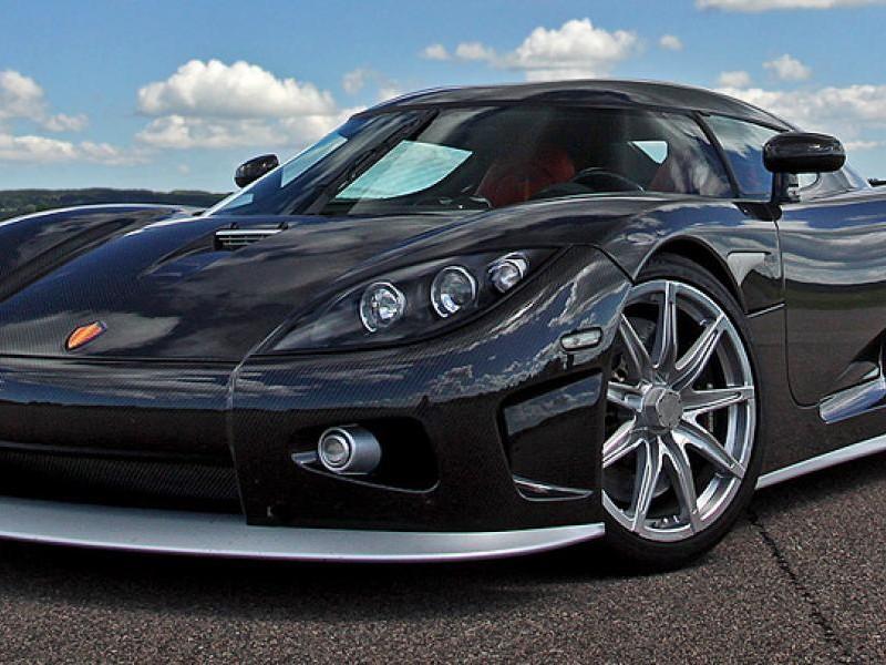 Черный Koenigsegg CCXR вид спереди