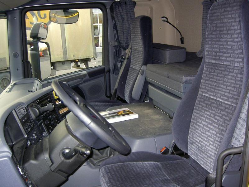 Салон, руль, приборная панель Scania R420