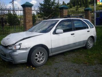Белый Nissan Serie S-RV