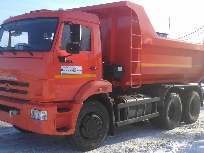 Красный КАМАЗ 65115, самосвал