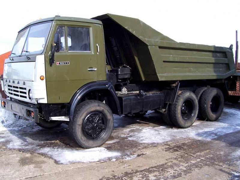 Самосвал КАМАЗ 5511 вид сбоку