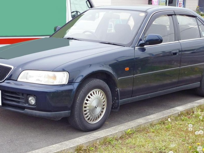Синий седан Honda Ascot