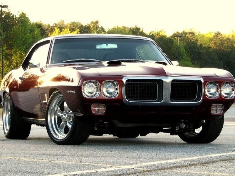 Pontiac Firebrid вид спереди