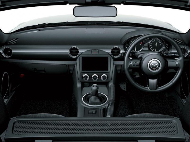 Передняя панель Mazda Roadster