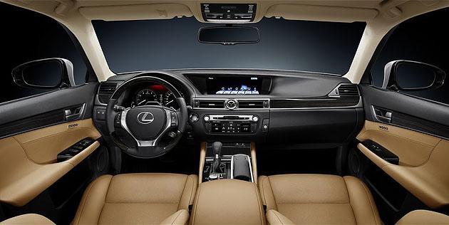 Горчичный салон Lexus GS350