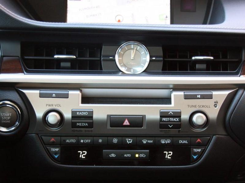 Консоль Lexus GS350