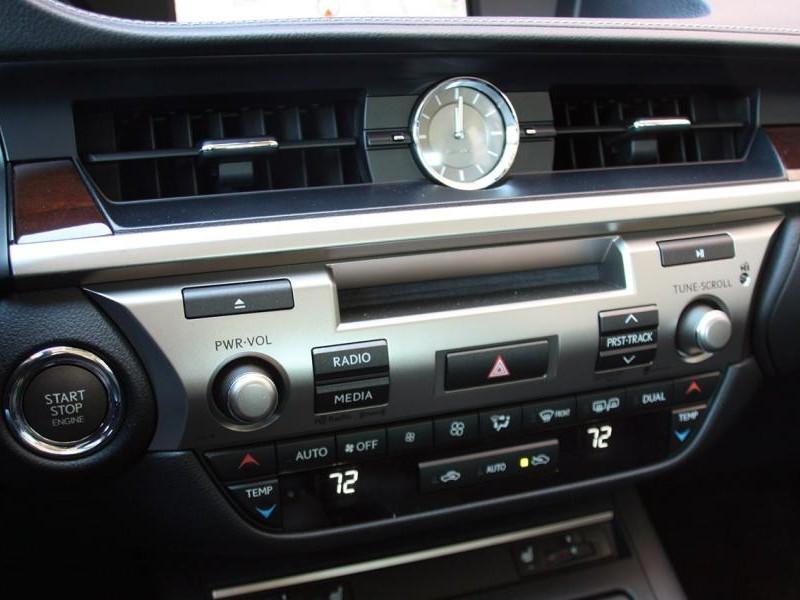 Консоль Lexus ES330