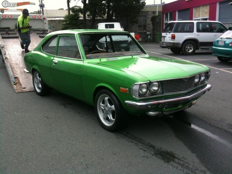 Зеленый Mazda Capella Coupe вид спереди